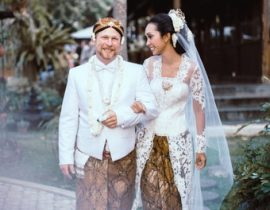 This Javanese Traditional Wedding Dress Will Make You Looks Awesome!